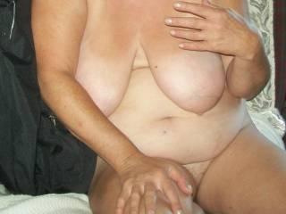 killer boobs and belly  mmmmmmmmmmm how about some ass?