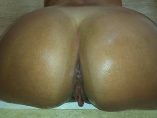 i would motorboat that ass like the world was coming to an end tomorrow! then i would suck n nibble your clit and lick that gorgeous pussy until begged me to let you cum!!!