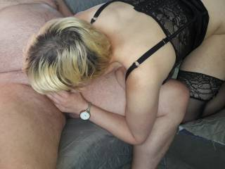 let me suck your old cock to plz somone play whit my pussy in the mean time