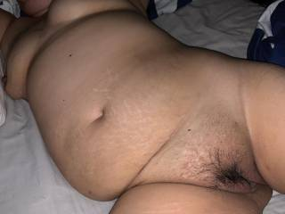 Sexy chubby milf spreads her legs and wants his hard cock