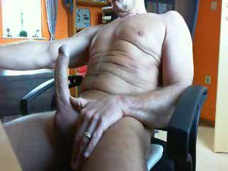 Hey, I llove your dick.  Just wish I could have it btween my legs! The cum loos equally juicy.  Giving me wild ideas