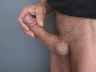 juste une petite branlette,et!!.....ejaculation!