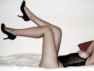 Heels , Hot underwear, perfect figure and the most inviting pose im in crazy anyone who said different - dam what a chick