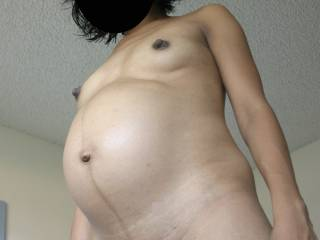 9 months pregnant wife getting more and more sexy!