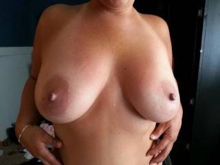 The very definition of perfect tits...size, shape (big aerola!) and deliciously rock hard nipples just begging to be licked and sucked on!!