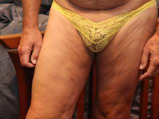 Wow lace looks great on you. Love the color yellow on your skin, makes me hard.