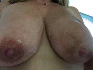 nice tits would love to add some cum betweent those tits and in between those sexy thighs....