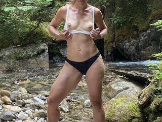 Hottie showing her nice nipples!! Would you like to suck them?