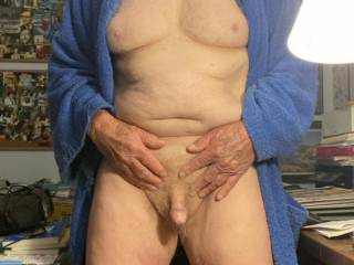 78 year old me feeling horny in the morning. Anyone want to make me happy?