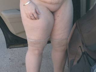 Great body, nice big tits, natural belly, thick thighs and a great looking pussy mound