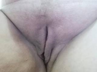 We love them shaved good.....nice pussy indeed....