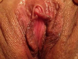 mmm look at that cream oozing out of that pussy damn i wish my tongue was buried in you