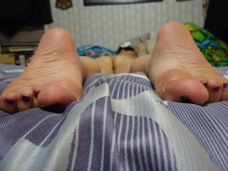 kiss and tease from your sexy toes to your wet pussy