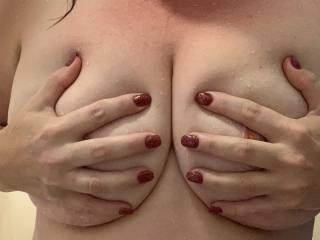 Wench showing off a new set of nails