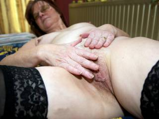 Her pussy getting wet