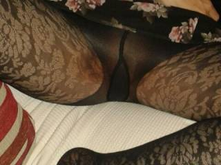 Rip my tights and lick my pussy