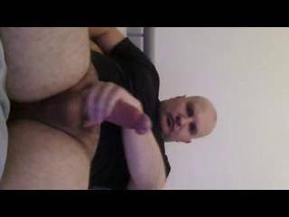 hope to meet horny women who can satisfy my big cock