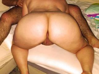 sexy hot ass woman, I'd love to get right behind her there! ;-)