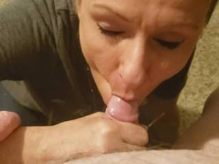 Rae gives me a blow job