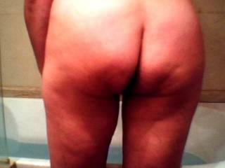 very nice butt:)) would love to play with her butt lol