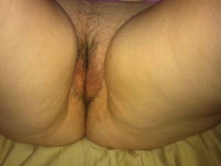 Id love to enter that fat pussy, May i have hte pleasure ?