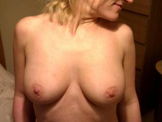 so sexy, i'd love to tease, lick, and suck those perfect tits of hers!