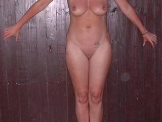 enfin une photo de madame en entier .... belle femme avec ce qu'il faut où il faut... Bonne année 2010. At last a photo of madam totally....   beautiful woman with what it is necessary where it is necessary...    Good year 2010.