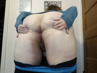 Whore ready for some anal sex. Would you fuck that ass?