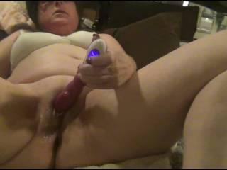 I make her cum as she plays with her clit,notice whem I say \'big dick\' or \'asshole\' she cums like CRAZY......kinda like pavlov\'s theory hmmm