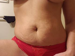 Whos hungry? And who has a big appetite and wants to devour my throbbing wet pussy until my legs shake and i explode in your mouth. How long would you eat my pussy?