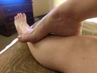 Molding her pretty feet