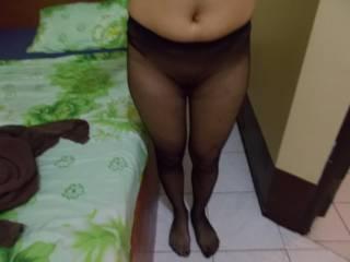I Love girl,s in pantyhose,do you like nylon feet ?