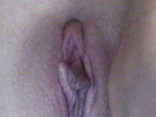 Would sooooo enjoy cumming all over that pussy! Would LOVE to bury my tongue in that pussy!