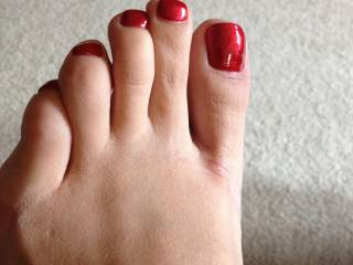 Really pretty toes.....love to see the natural as well:-)
