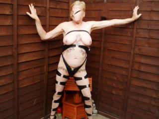 Hi another one of my kinky outfits hope you all like it comments please mature couple