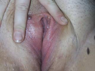 mmmmmmmm i would love to lick and fuck her hot pussy