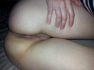 Jenna spreading her ass invitingly - anyone want to try?!
