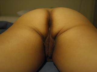 love the butt shot. Would love to lick, finger and fuck it though not necessarily in that order ;)
