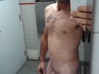 Nice to see a real man show himself and not just his cock!