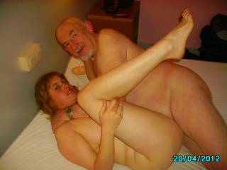 I love young girls that have sexy time with old men. Such a turn on :)