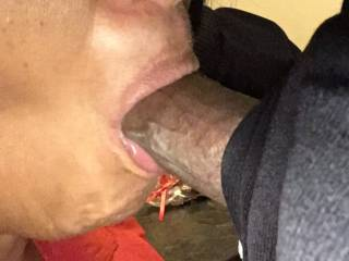 Damn! Couldn't wait to give a blowjob when I got in. Spit or swallow?