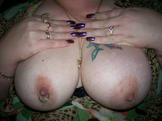 Hot pic very sexy love those boobs and those nails look hot that colour