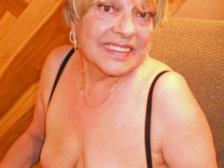 yes love tits and hard nipples u are 1 hot mature women thank