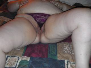 Mmmm would love to dine on this hot plump pussy! :) Mouth is watering.