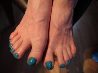 Well I love pretty toes.......what a combination