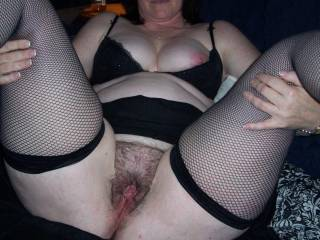 yes o naturale, need something to wide her dripping cum of my chin after i have given her a tongue job that she wont forget...