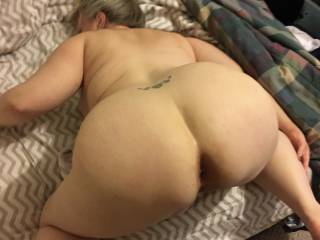Great angle of her big ass and always open for business asshole