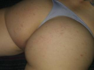 Please jerk your cock to this. Dont go looking at some other girl.  Stay right here and look at my ass while you beat that big dick.