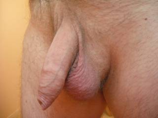 Just the ladies? Want to get my tongue inside your foreskin and lick the head of your cock!