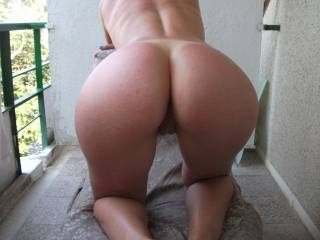 love to tongue fuck your asshOle tongue deep, stick my hard cock in your pussy n fuck it hard n deep, fill your love holes with cum :)